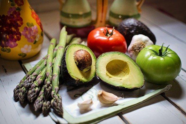 Egészséges ételek zöldség passzírozóval